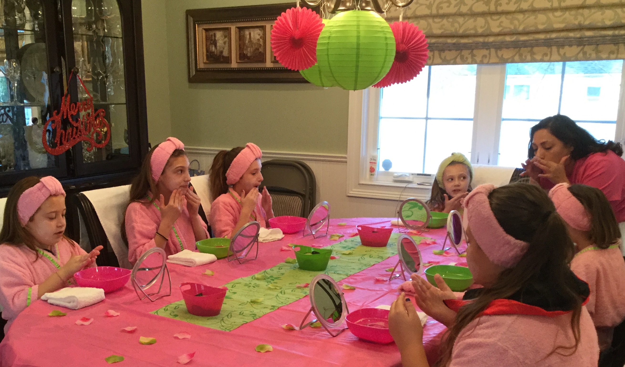 SPA PARTIES FOR LITTLE GIRLS AND TEENS - Lala Lil